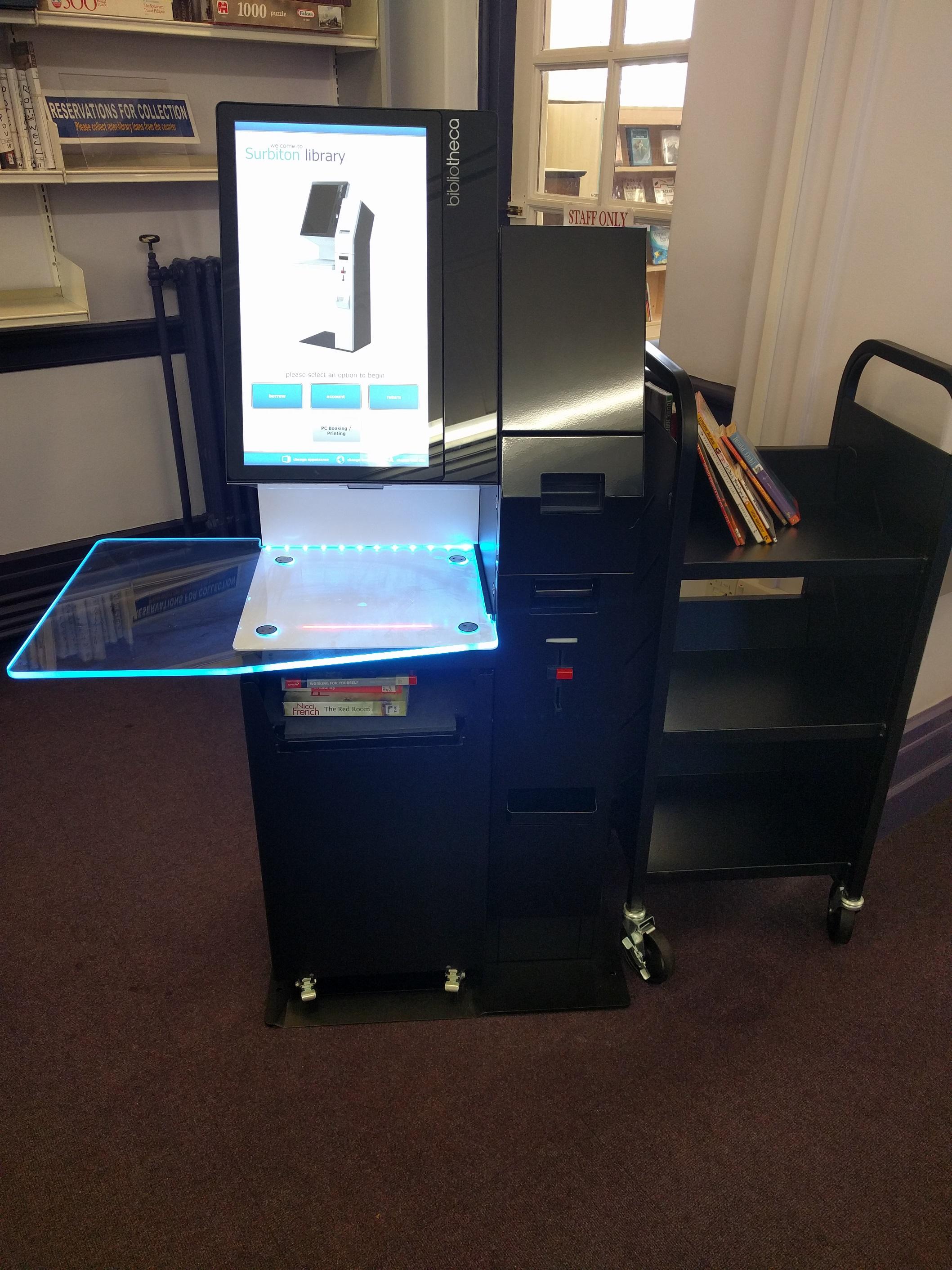 Library self-service machine