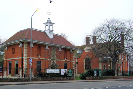 The Kingston Museum that has photographs taken by Muybridge