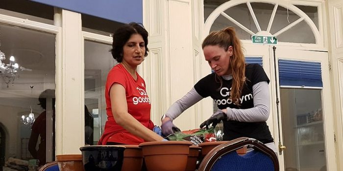 Kingston running group does late-night gardening for mental health charity