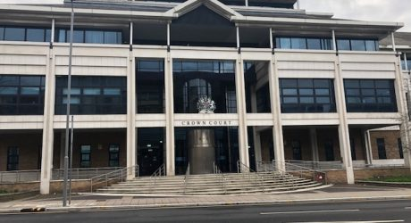 'Tech thieves' on trial at Kingston Crown Court
